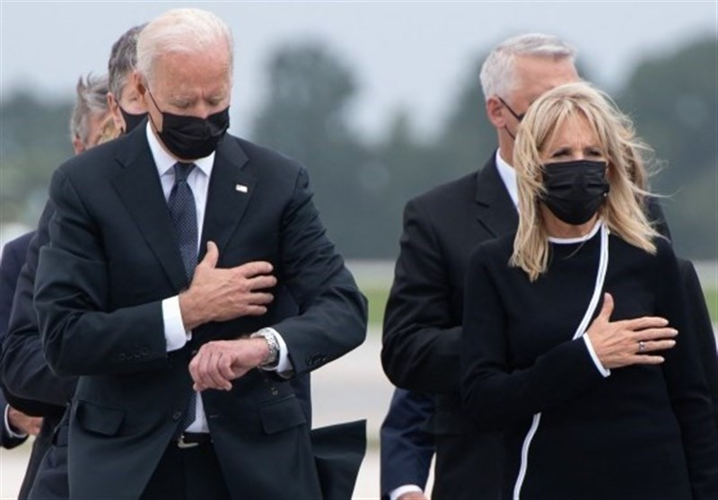 Biden dishonored the fallen soldiers checking his watch during the ceremony for the troops killed in Kabul. He had to be somewhere else, in a more important place?